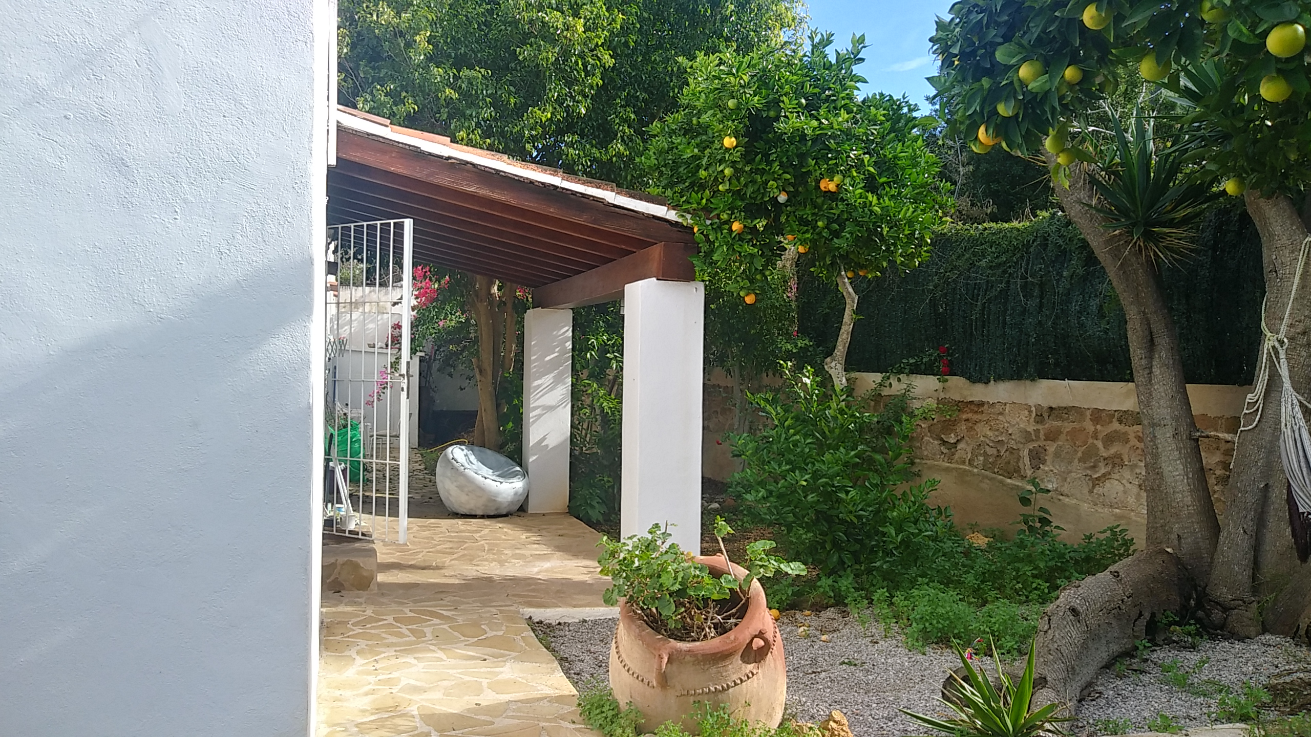 5 BEDROOM HOUSE IN THE AREA OF JESUS